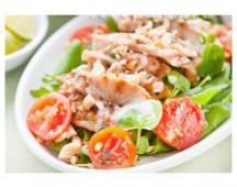 Салат с курицей и кокосовым соусом